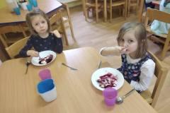 Modrý den - domácí tvarohové knedlíky s borůvkovým přelivem