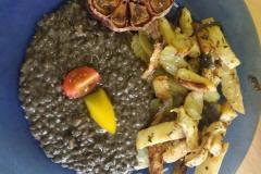 Černobílý den - Černá čočka s grilovanou zeleninou